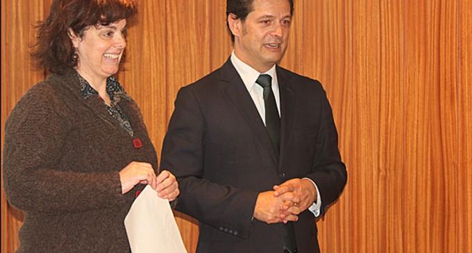 Câmara distribui 17 mil euros pelas associações de pais do município