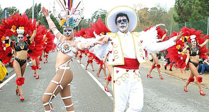 Carnaval de Ovar sai à rua nos três dias de desfiles