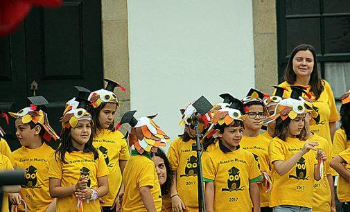 """Praça das Galinhas recebeu espetáculo """"Saber Musical"""""""