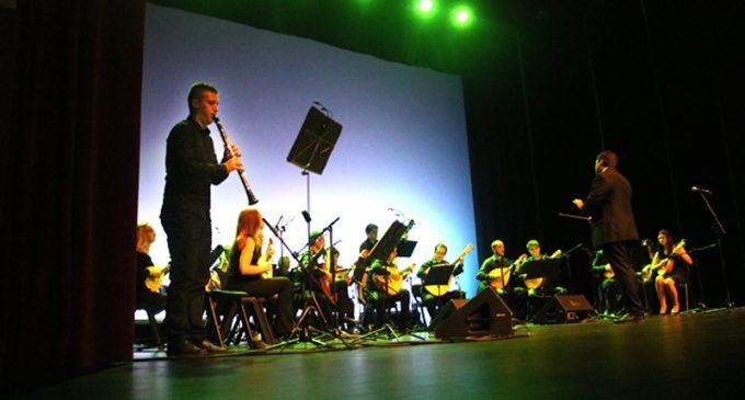 """XVII Comcordas: Orquestra de Bandolins de Esmoriz apresentou """"Comtrastes"""" no Centro de Arte de Ovar"""