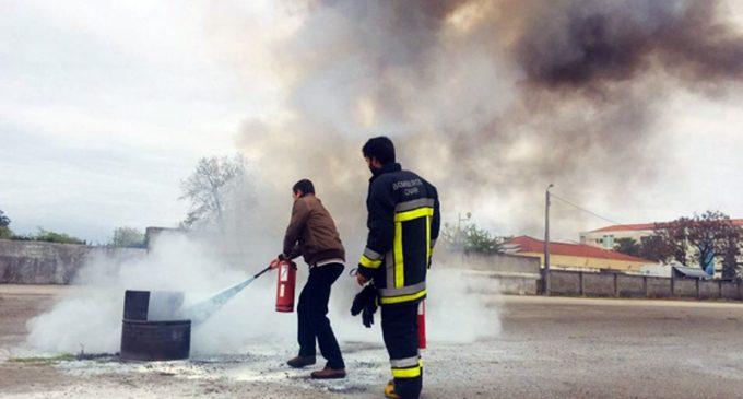 Bombeiros de Ovar ensinaram a utilizar extintores portáteis