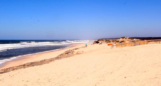 Praias do concelho voltam a receber o galardão Bandeira Azul