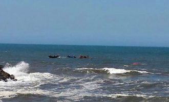 Bombeiros de Esmoriz resgataram três pescadores na praia de Cortegaça