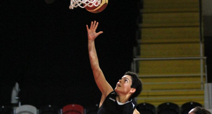 Alvi-negras venceram na Madeira e em Guimarães