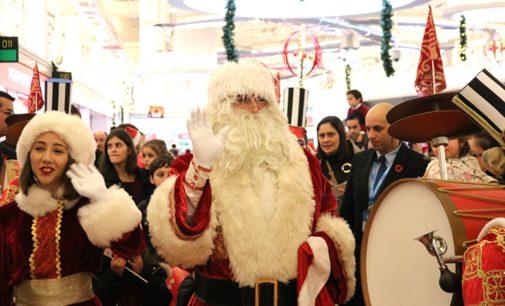 Chegada do Pai Natal, ao Centro Comercial Dolce Vita de Ovar, deu início a programação especial