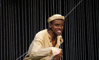 Dar Teatro 2019: Companhia de Teatro brasileira pisou o palco da Casa da Contacto