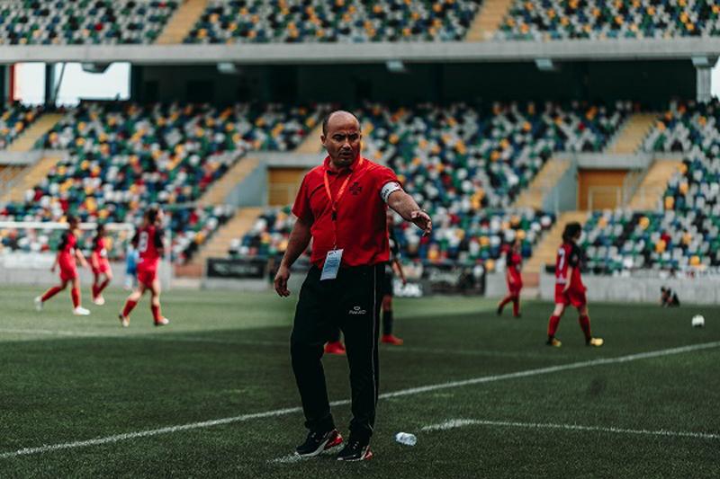 Futebol Feminino: Sérgio Barreto não resistiu aos 8-0 de Famalicão
