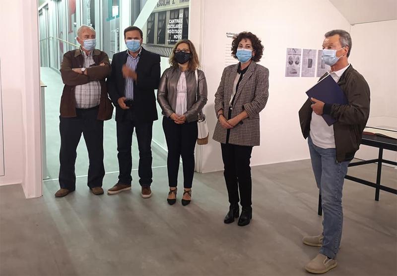 Exposição e tertúlia assinalaram 110º aniversário da Escola Oliveira Lopes