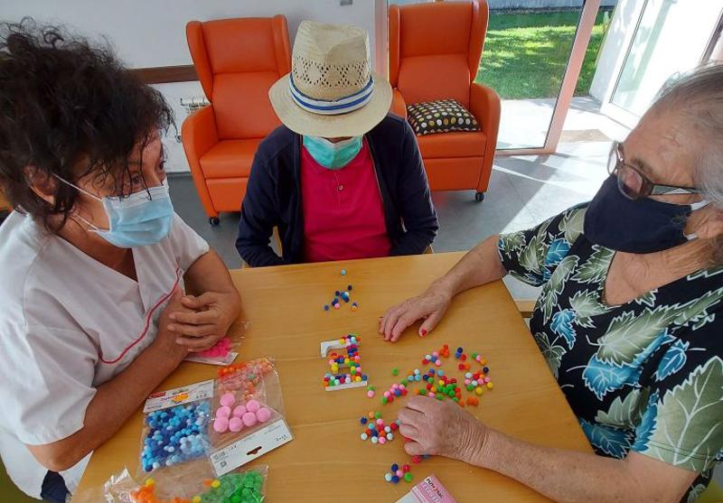 Centro de Dia da Santa Casa da Misericórdia de Ovar promoveu Arte (Terapia)