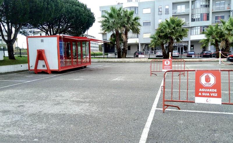Parceria instalou um Posto de Colheita Móvel Covid-19 na área de estacionamento dos Bombeiros de Esmoriz